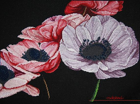 Embroidery on a black canvas with your own hands. Photo №8