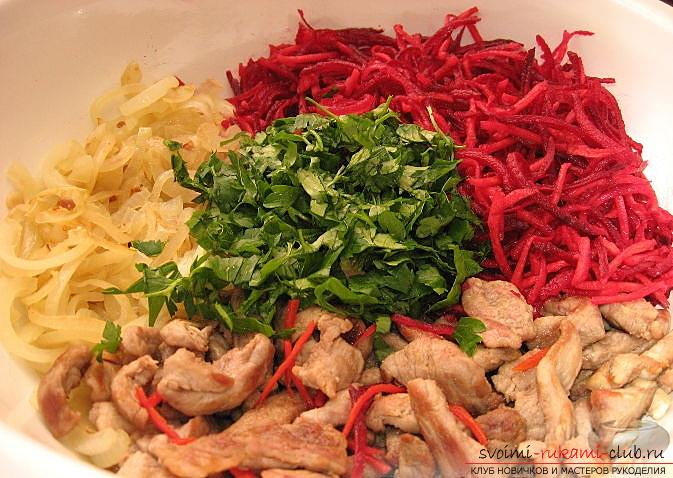How to cook delicious salads for the New Year's celebration, recipes, step-by-step photos and a description of creating tasty and beautiful salads with seafood, pomegranate seeds and soy sauce. Photo №6