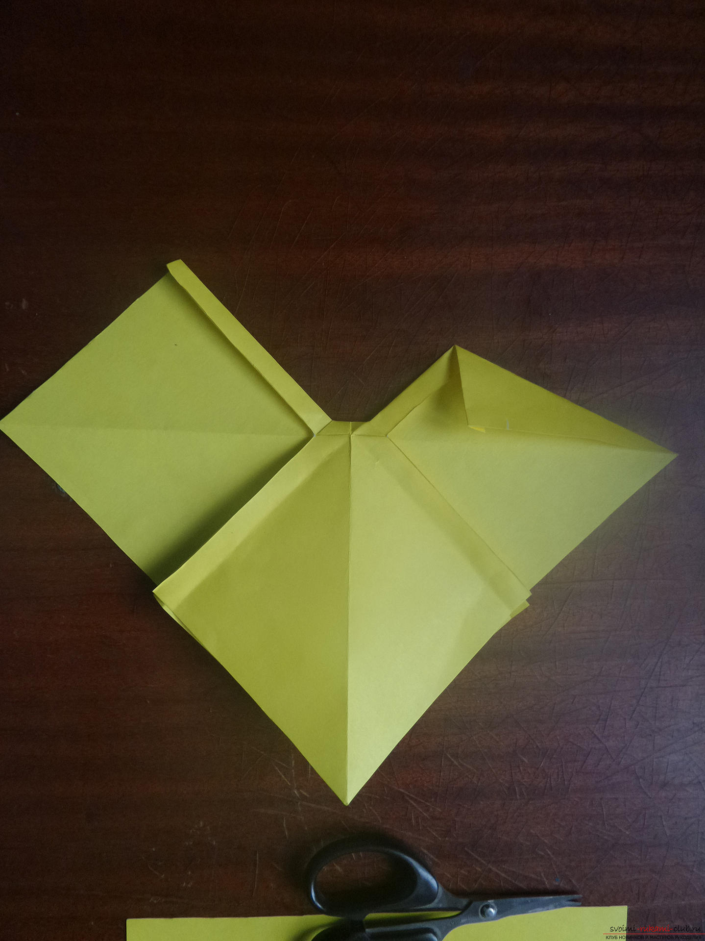 This master class is intended for those who want to learn how to do their own hands with an origami bow. Photo # 23