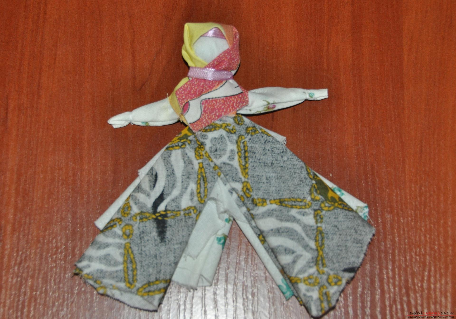 This master class will teach you how to make your own doll-bereginya - a pillar. Photo Number 22