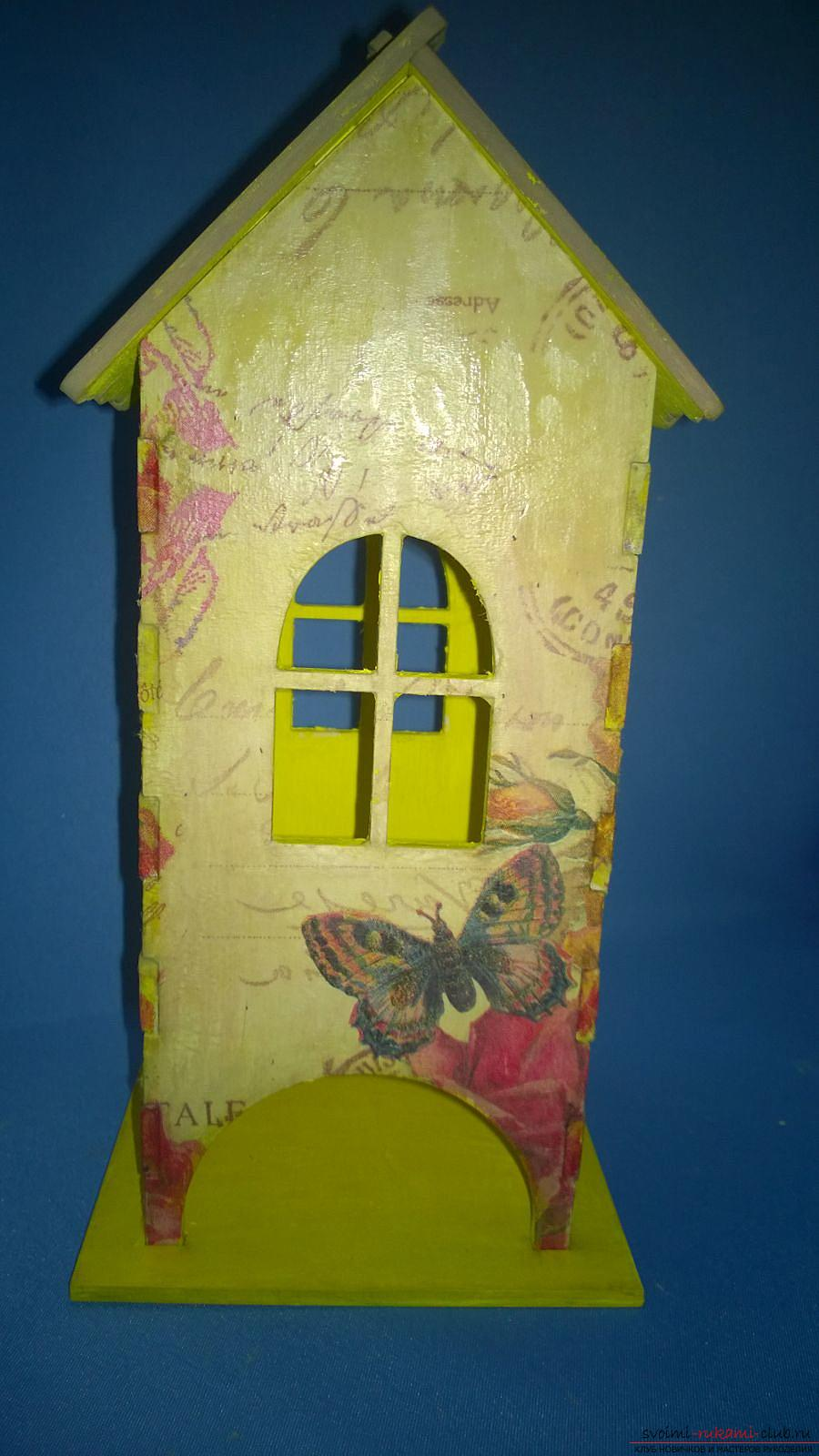 The master class will teach how to decorate the original tea house, using decoupage. Photo №1
