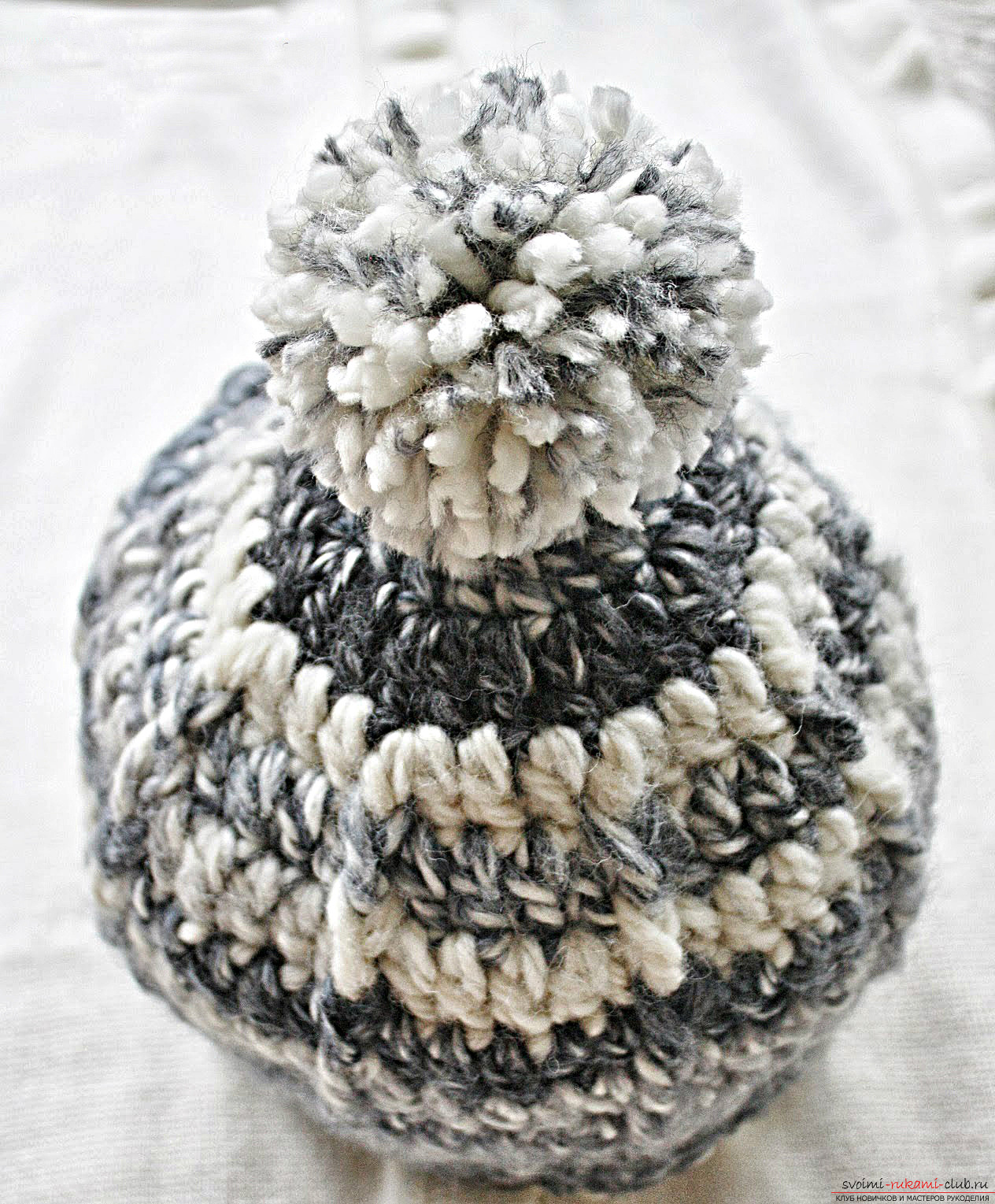 Crocheted comfortable winter hat. Photo # 2