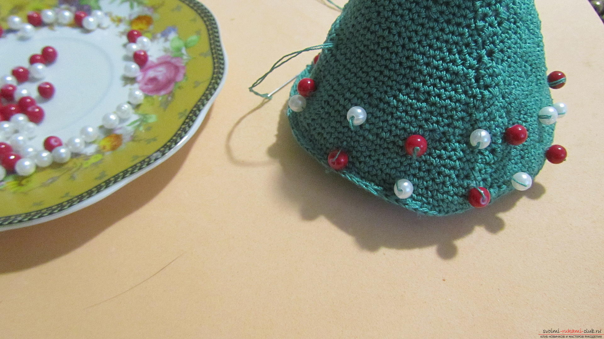 This master class contains a description of a crocheted Christmas tree - the original crafts for the New Year with their own hands. Photo Number 22