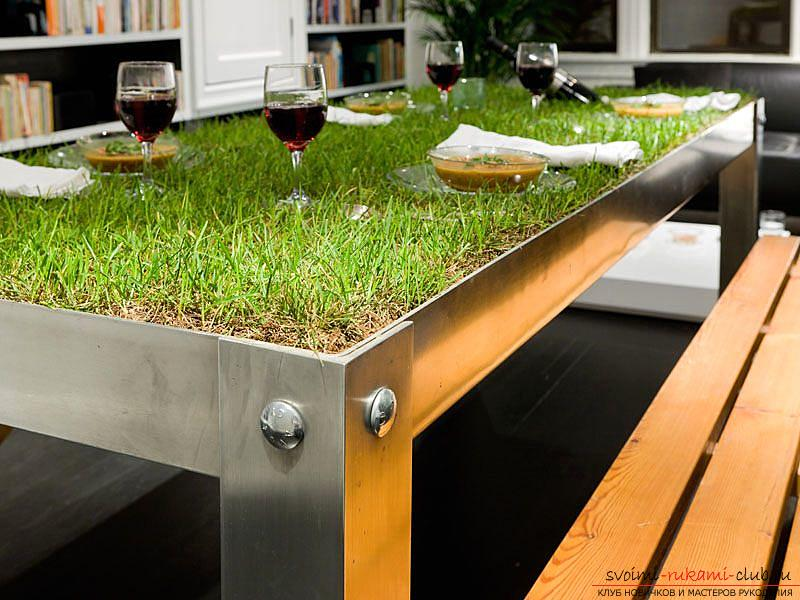 Eco-design in the interior, pieces of furniture with a natural green lawn, a table with a grassy surface .. Photo №1