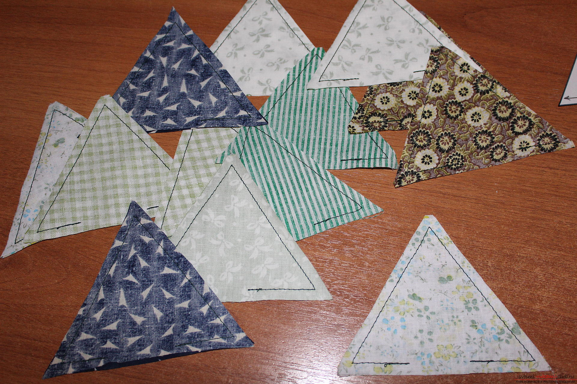 In this master class on creating a New Year craft, you will learn how to sew an unusual Christmas tree that will decorate your room .. Photo # 3