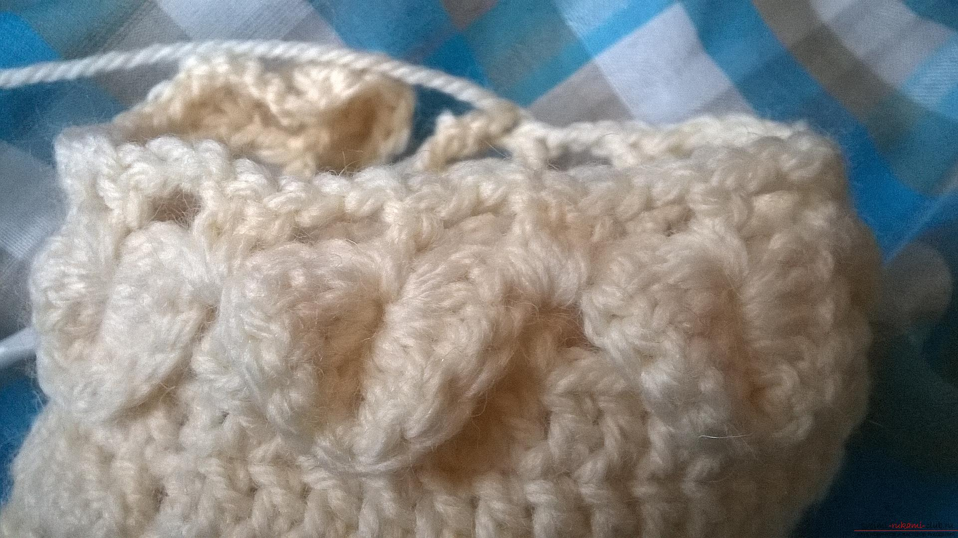 This master class with a description, diagram and video will teach how to knit booties crocheted .. Photo # 22
