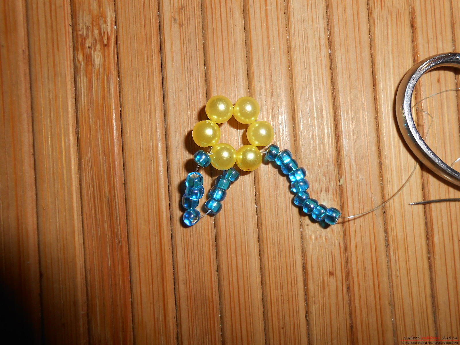 This master class of weaving from beads will tell you how to weave the earrings yourself. Photo # 5