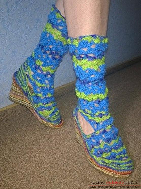 We knit sandals or boots with our own hands and crochet - summer patterns. Photo Number 11