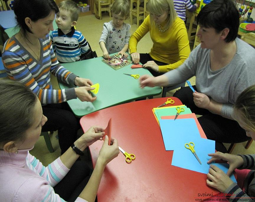 master class on making Christmas-tree toys and garlands together with children. Photo №4