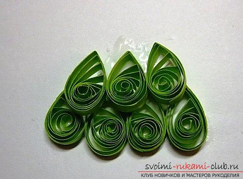 How to make a New Year card with quilling technique? A lesson for children. Photo №4