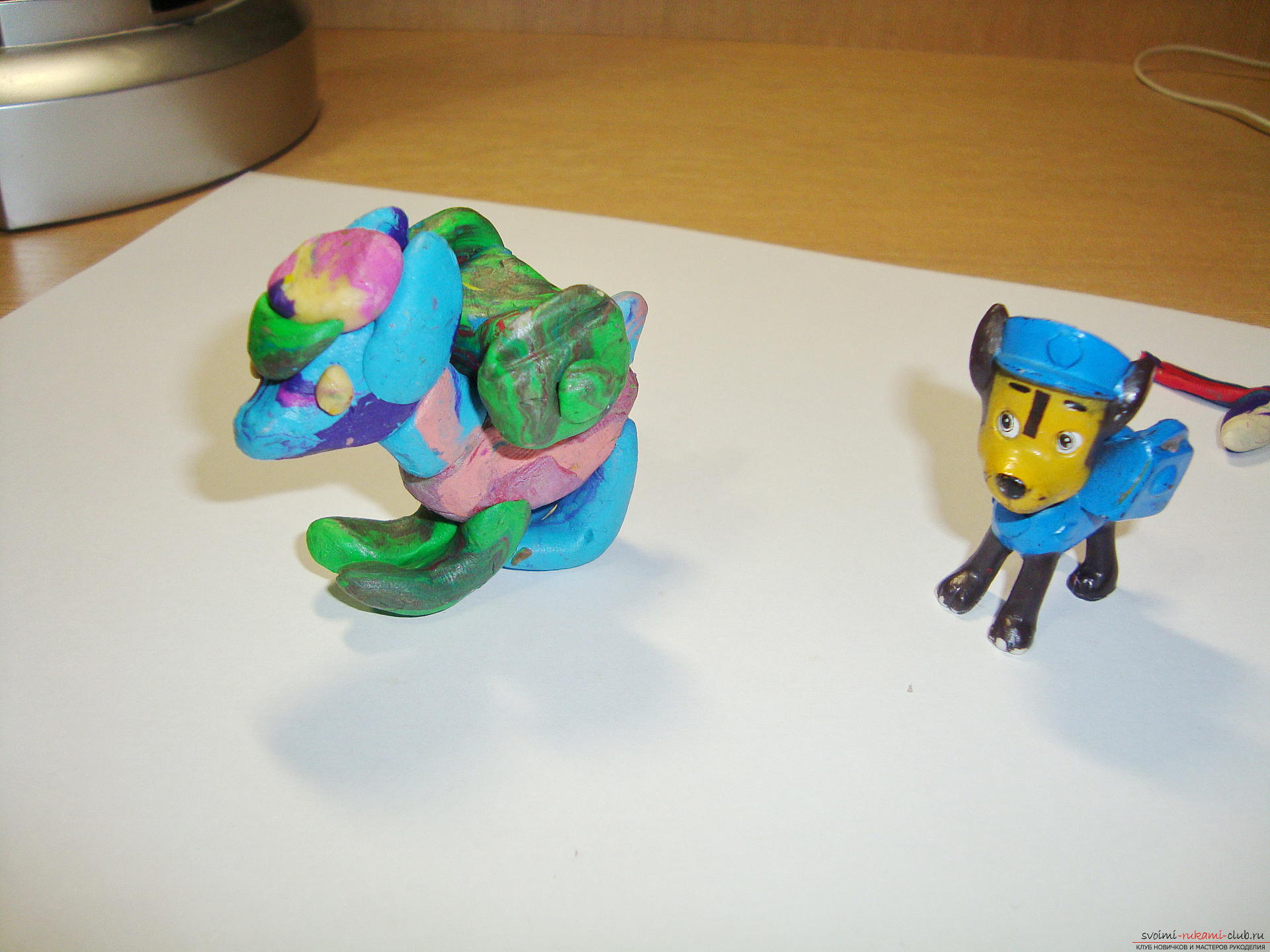 Interesting toys can be made with their own hands, copying cartoon characters. An article from plasticine in the form of a Racer, surely like the child, if he looks Puppy patrol .. Photo # 1