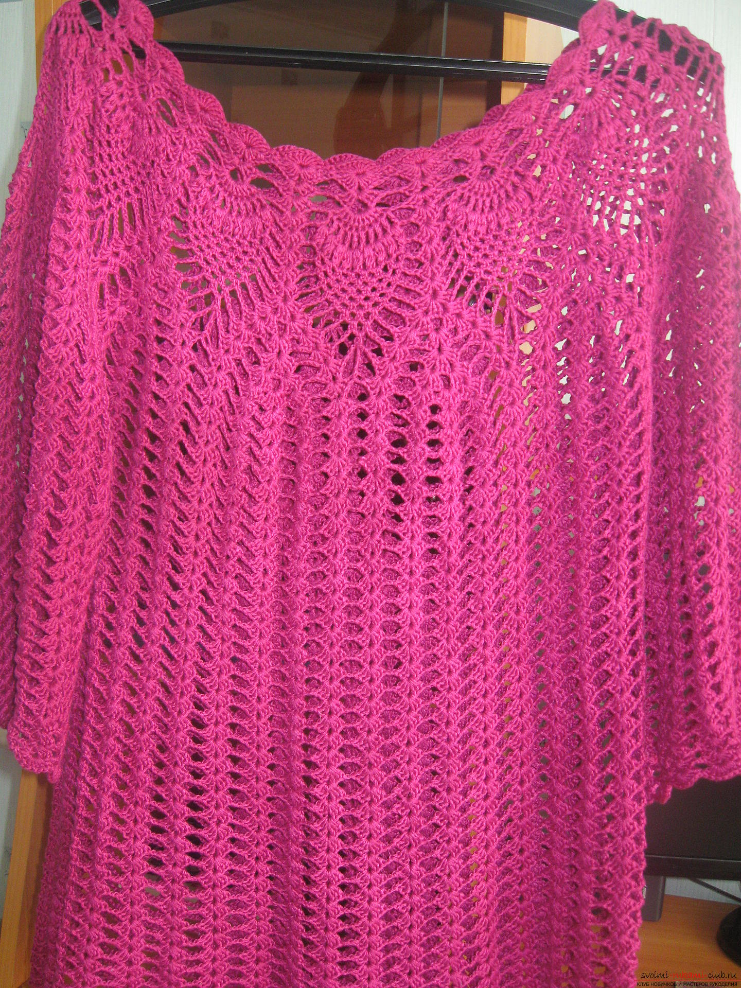 Seamless knitted cotton blouse. Picture №3