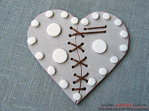 Gifts for Valentine's Day with their own hands, various variations of making Valentine's cards with their own hands, a magnet in the form of a heart as a gift to your beloved .. Photo # 21