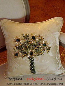Embroidery of pillows by various methods according to schemes. Photo # 2