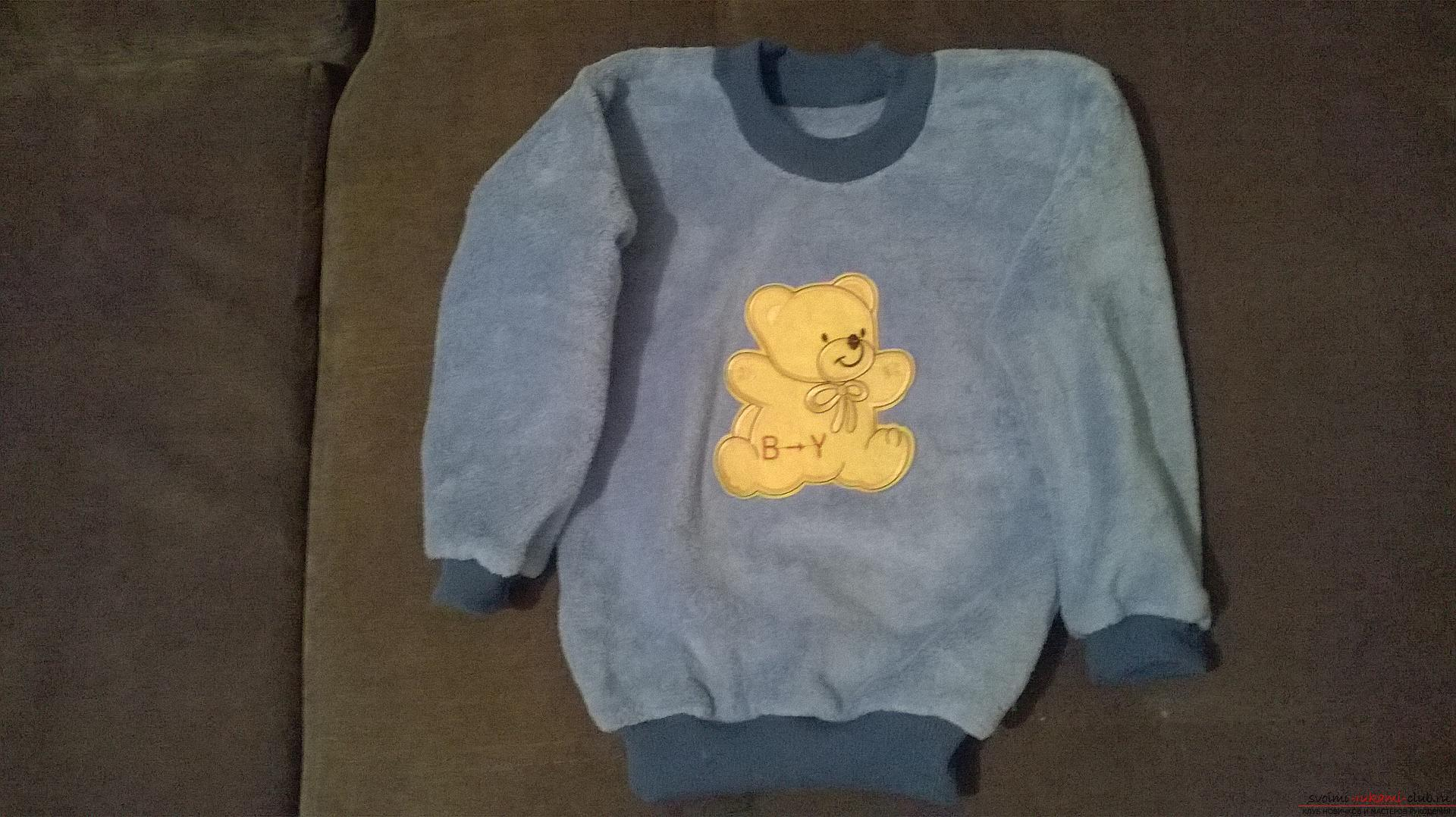 A detailed master class will teach how to sew a children's sweater for a boy with an applique. Photo №1