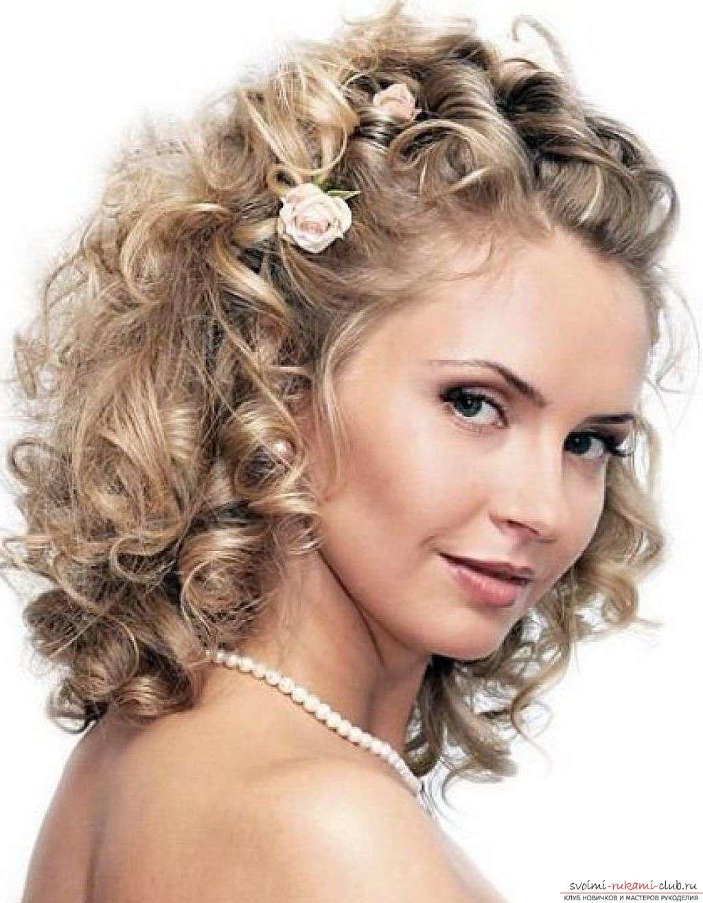 How to make a beautiful hairstyle for curly hair of medium length with your own hands ?. Photo №5