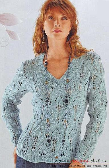 Link a beautiful pullover patterned leaflets. Picture №3
