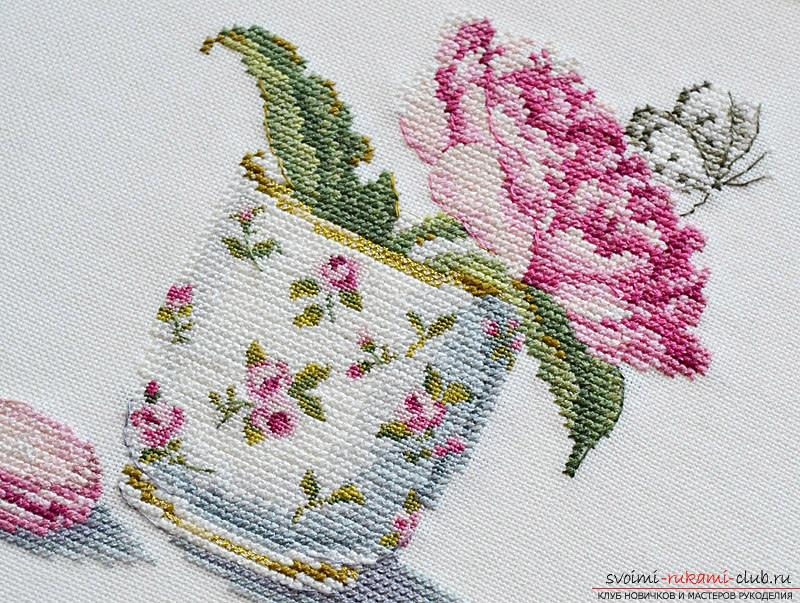 We embroider a cross of peonies: a detailed master class with a description and a photo. Photo # 2
