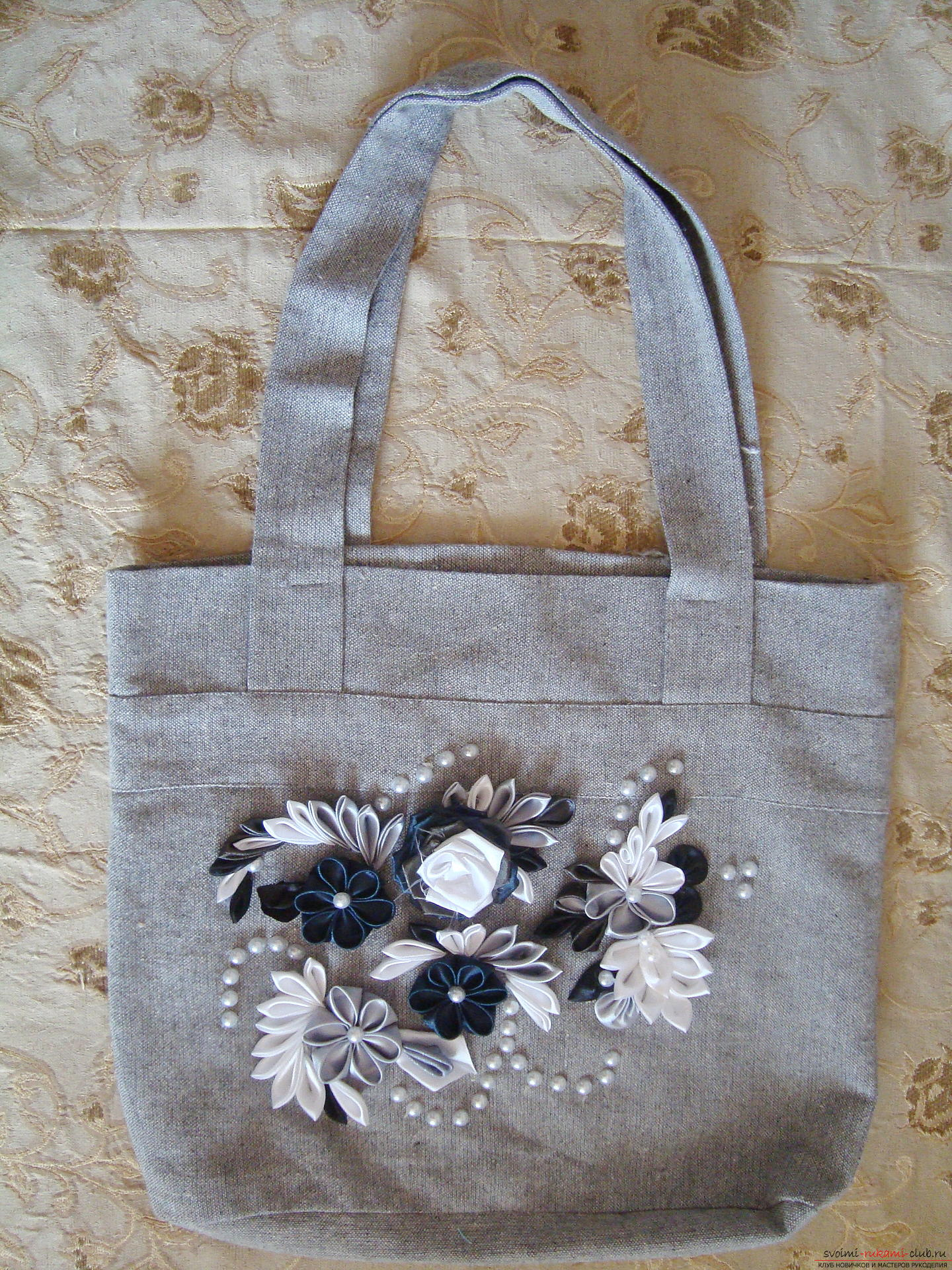 Photo to the guide on creating bags with Kansas flowers. Photo №1