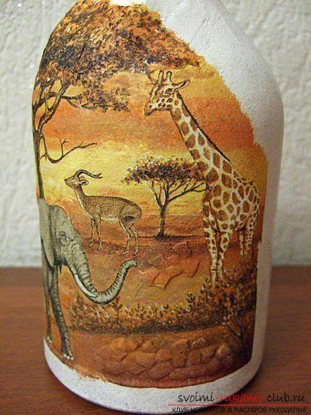 Decoupage bottles in the African style, crafts fromshells, how to make a mosaic of the shell with their own hands, a mosaic made of eggshell on a glass bottle, a detailed master class on decorating bottles in African style .. Photo # 22