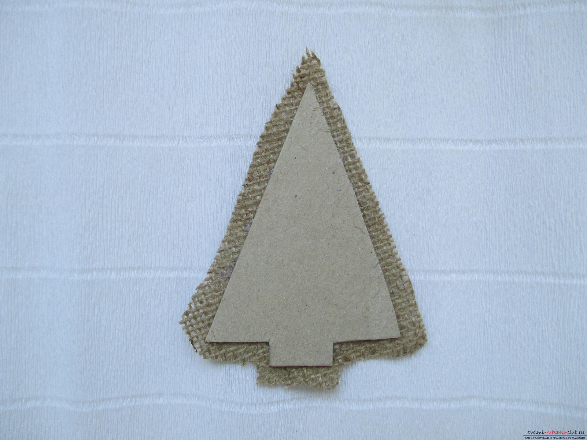 The master class will teach you how to create a herringbone magnet on your refrigerator by yourself. Photo №4