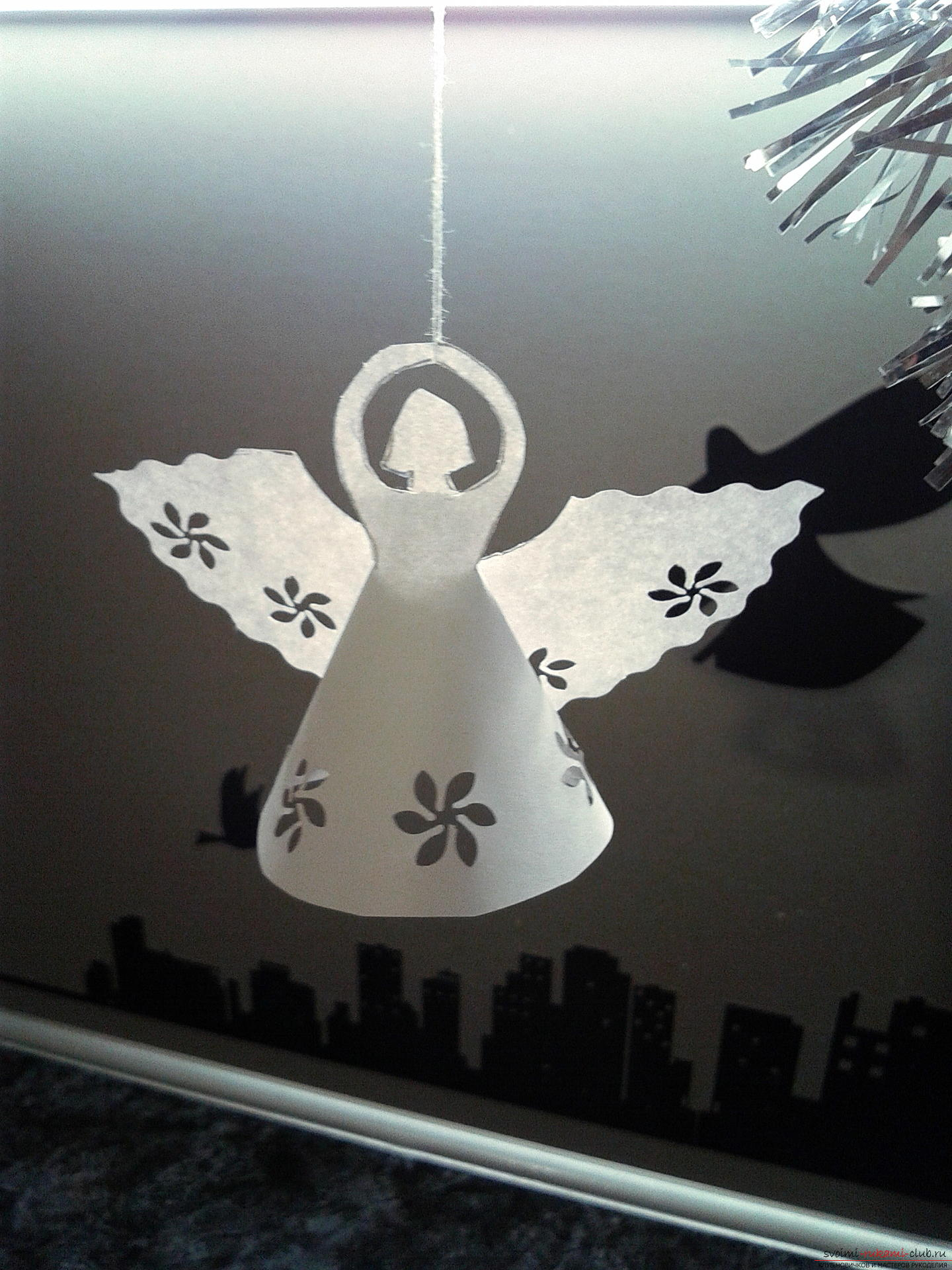 This master class describes the process of creating New Year's handicrafts. Cute angels made of paper were created as decorations on a Christmas tree .. Photo №14