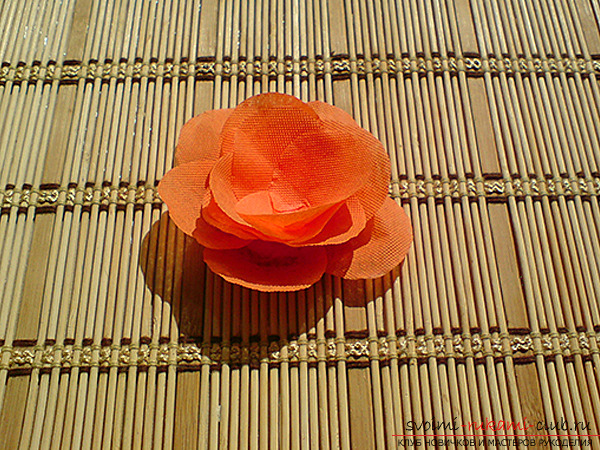 Flowers from paper with their own hands. Picture №3