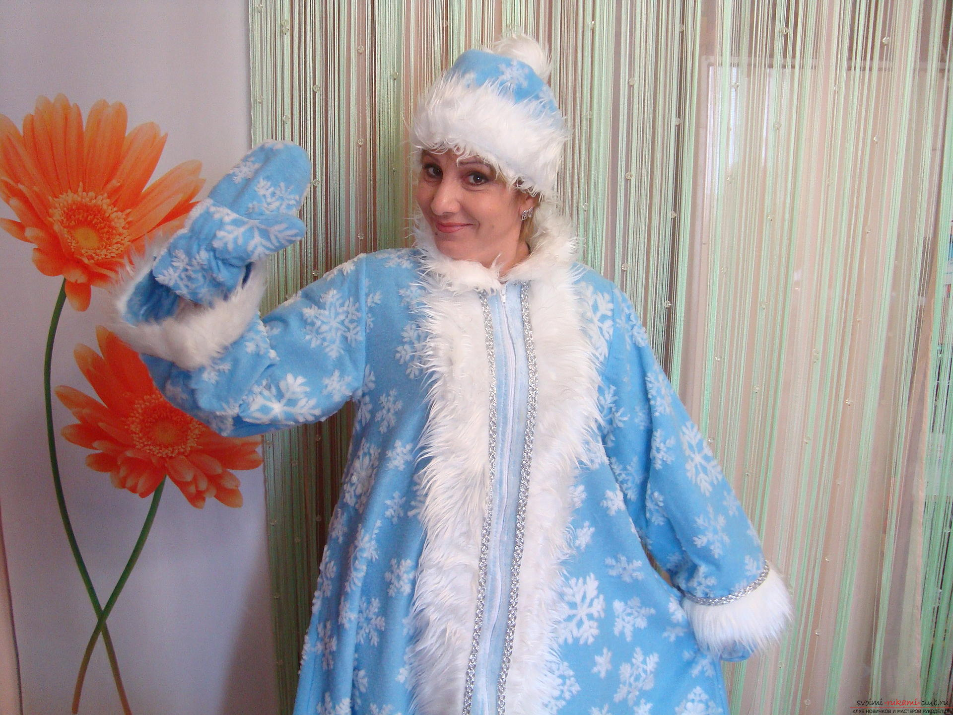How to make a Snow Maiden costume as a carnival costume for the New Year. A detailed master class with photos and videos will help to sew a Snegurka costume even to novice craftsmen. Picture №1
