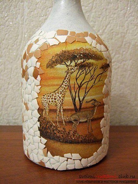 Decoupage bottles in the African style, crafts fromshells, how to make a mosaic of the shell with their own hands, a mosaic of eggshell on a glass bottle, a detailed master class on decorating bottles in African style .. Photo # 24