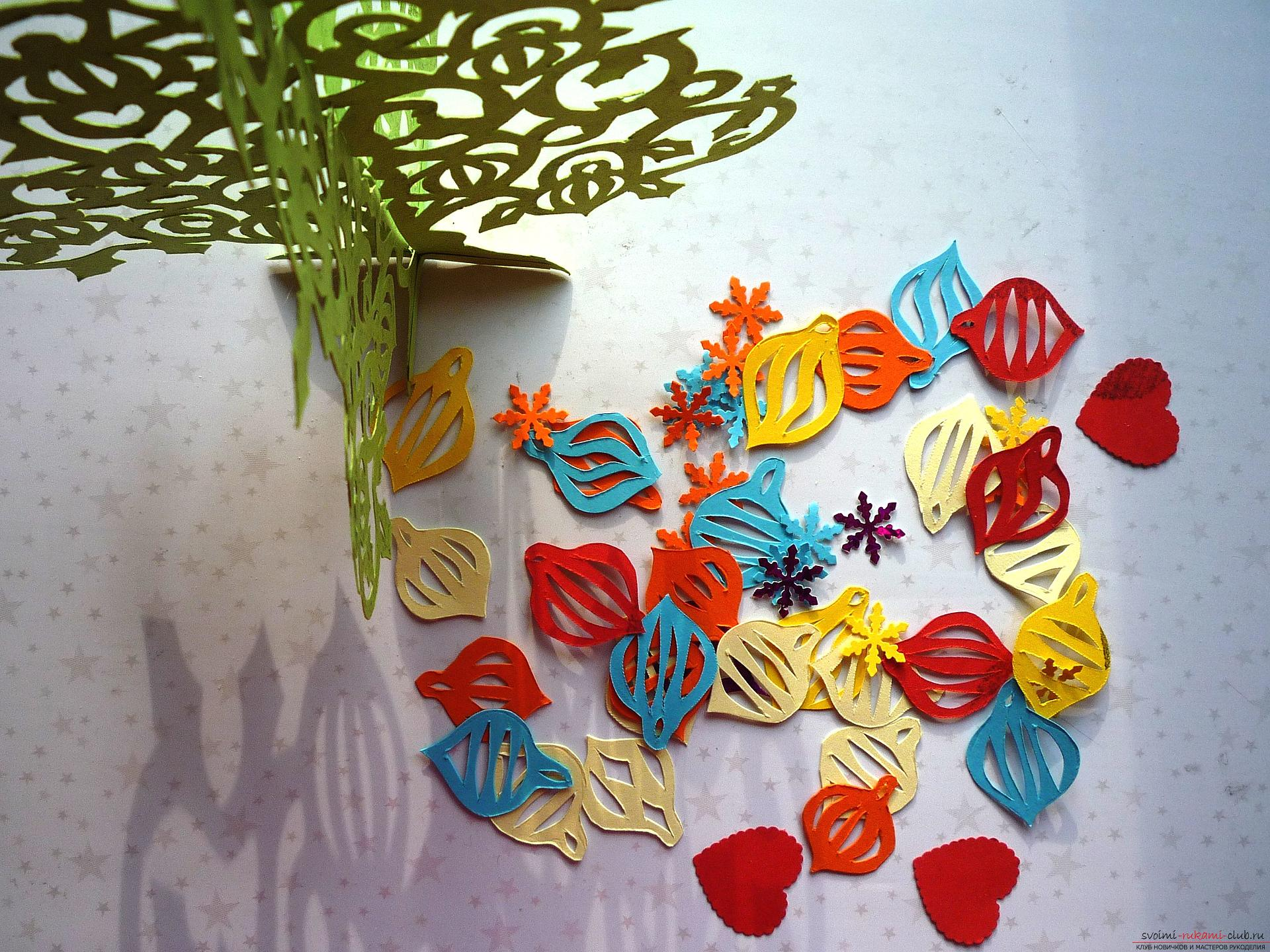 The master class will teach you how to make your own hands a New Year's 3D Christmas tree made of paper. Photo №6