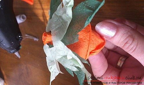 How to make a beautiful tree topiari from napkins, step-by-step photos and a detailed description of the work on creating topiary with different colors. Photo Number 14