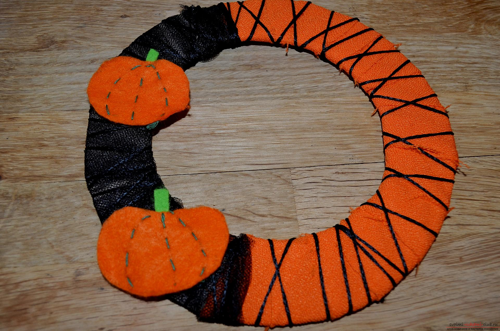 Photo of a wreath making on Halloween. Photo Number 11