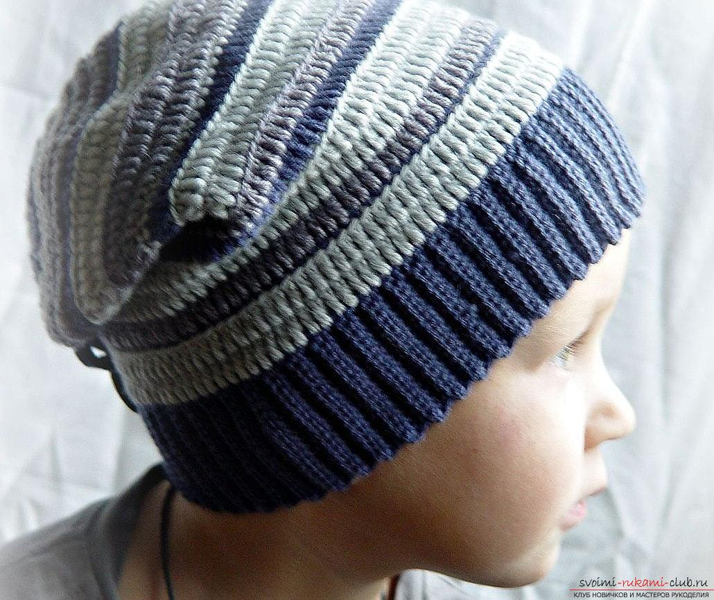 A relief pattern for knitting the boy's hats with his own hands is a master class. Photo №4