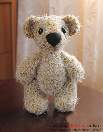 We learn to knit an Amigurumi crochet hook with a photo and a detailed description. Photo number 16