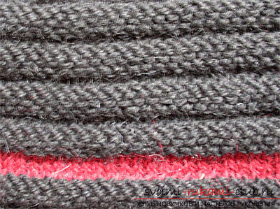 How to tie a rubber band with knitting needles is easy and fast. Photo # 2