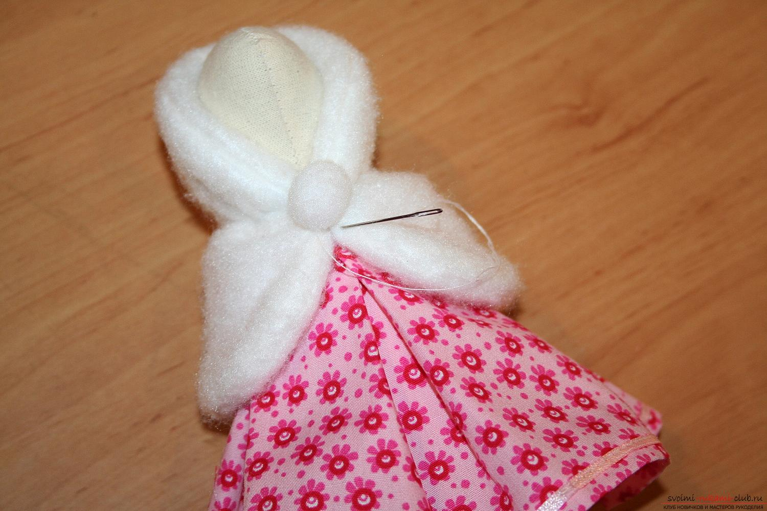 A master class on the creation of a New Year's doll will help to make a hare to Tilda with his own hands. Picture №40