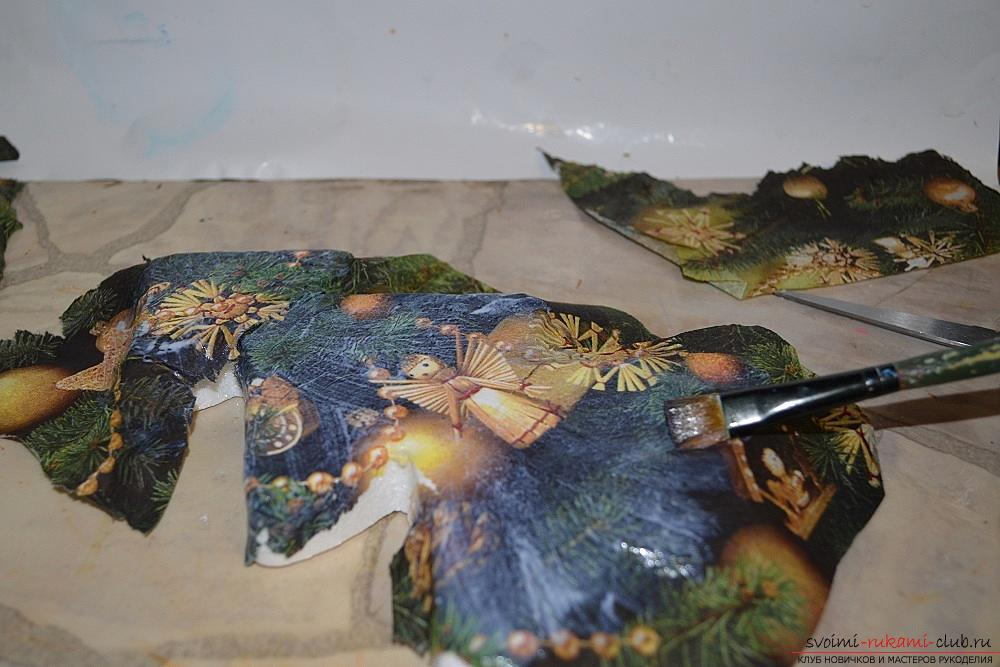 The master class will teach you how to make a Christmas decoration - a Christmas tree - in the technique of decoupage. Photo №4