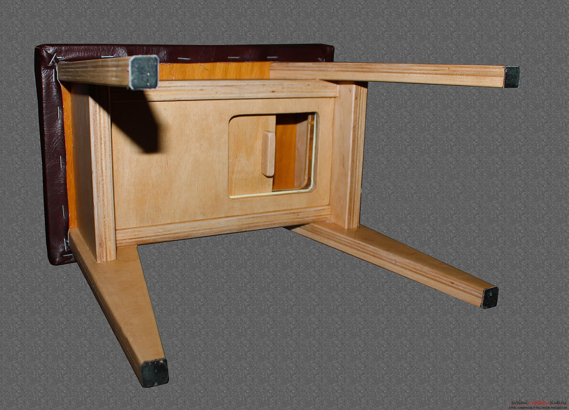 Photo to the lesson on making a small bench for a child with a secret box. Picture №34