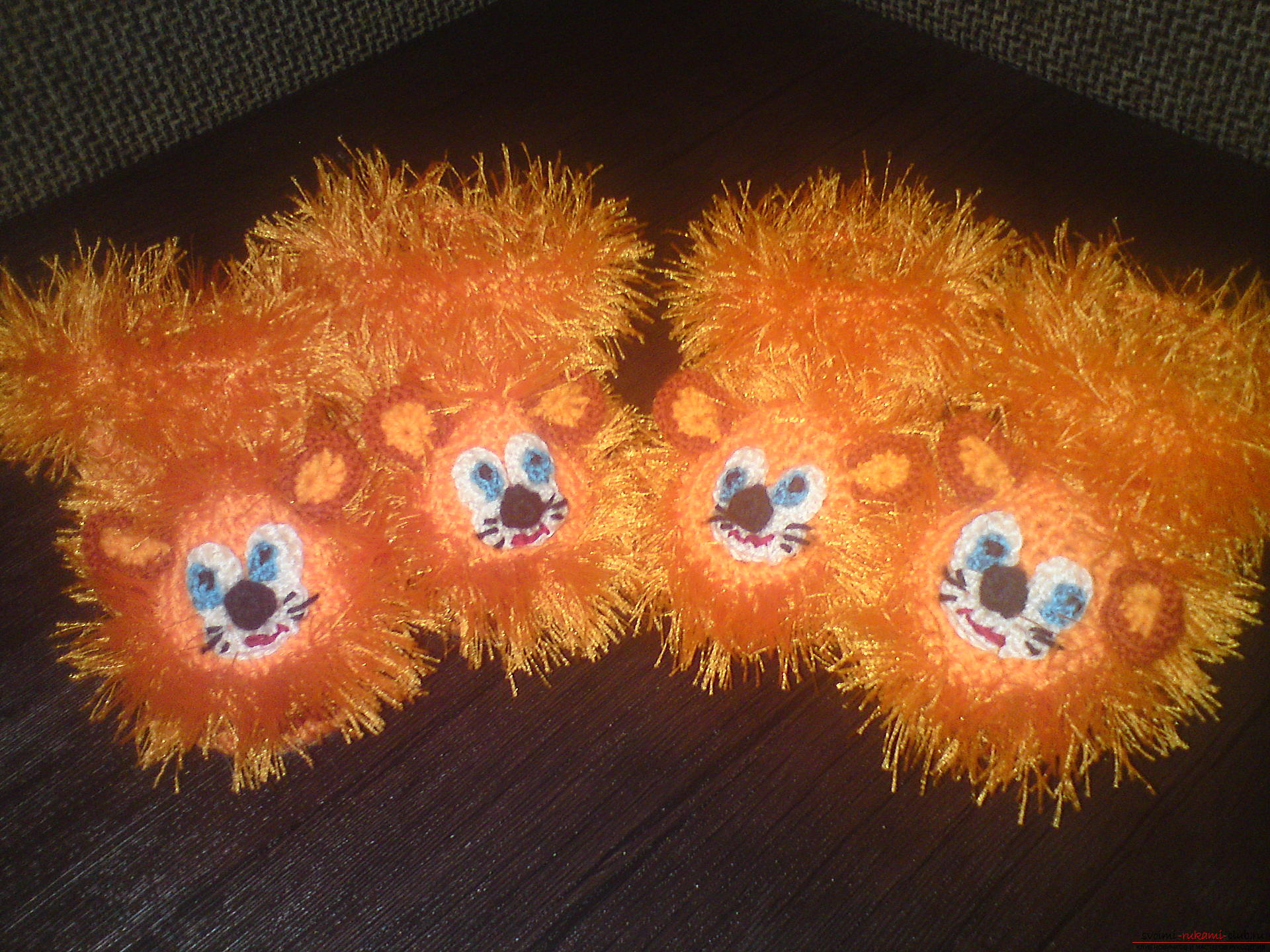 This master class will teach crochet children's boots in the form of a lion .. Photo №1