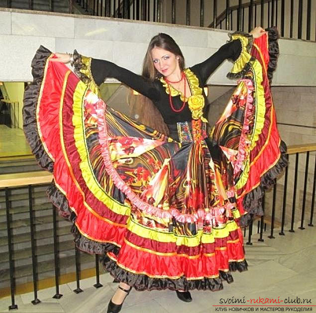 Bright gypsy skirt with your own hands with a pattern. Photo №1