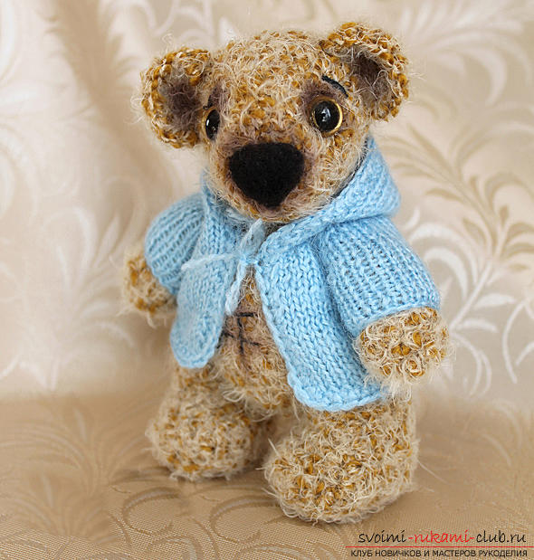 We learn to knit an Amigurumi crochet hook with a photo and a detailed description. Photo №1
