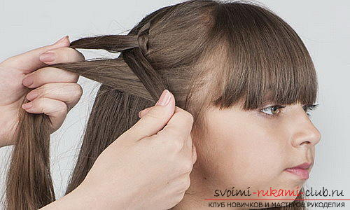 We learn to make beautiful hairstyles for medium hair for girls with our own hands. Photo number 17