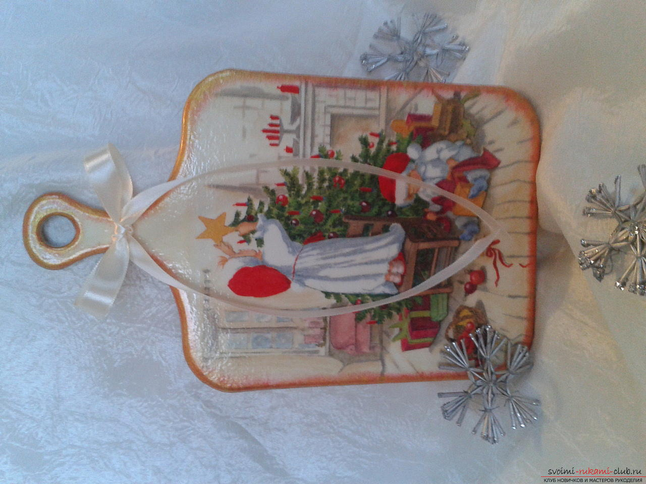 Photo to the lesson on the creation of a New Year's gift - cutting-edge dossacks in the technique of decoupage. Photo №8