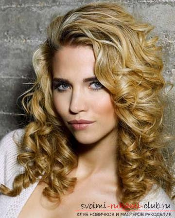 How to make a beautiful hairstyle for curly hair of medium length with your own hands ?. Photo №1