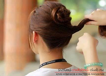 Masterclasses to create fashionable hairstyles on medium-length hair with their own hands for 5 minutes. Photo Number 21