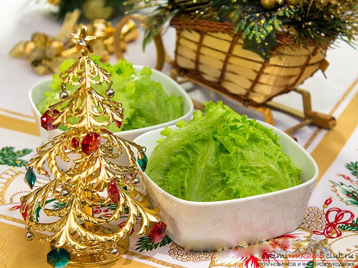 How to cook, and most importantly, to decorate a salad for the New Year's celebration, recipes with step-by-step photos and a description of the work. Photo №1