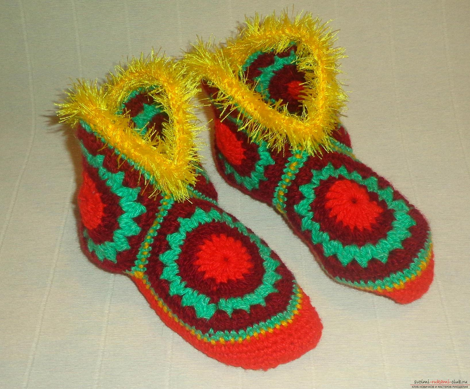 Photos of the process of crochet at home high slippers. Photo №13