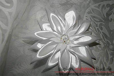 Як зробити канзаші для волосся в осінньому стилі, традиційні для японської осені квіти хризантеми і дзвіночка .. Фото №9