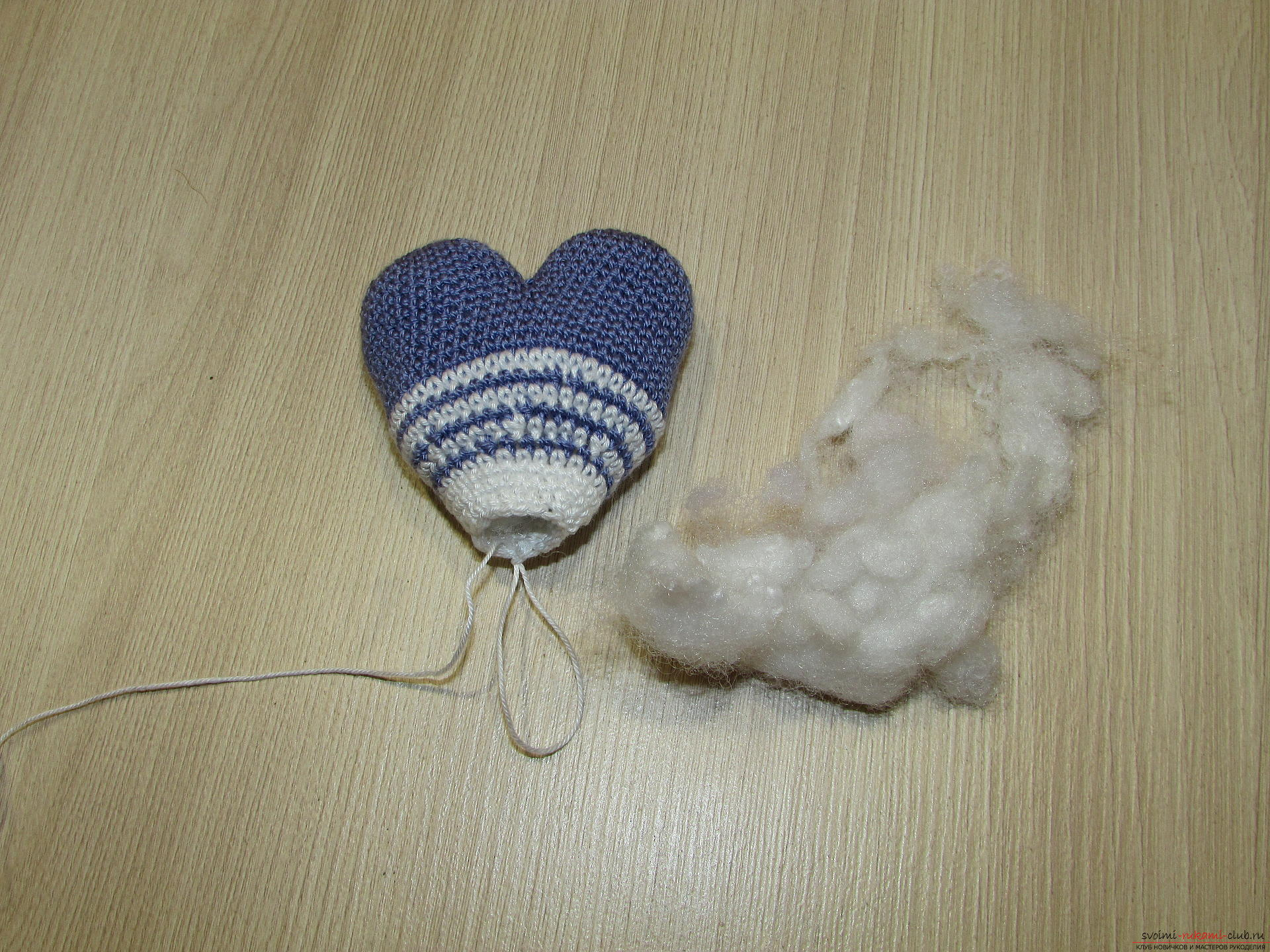 This master class on crochet will teach you how to make a heart charm with your own hands .. Photo # 6