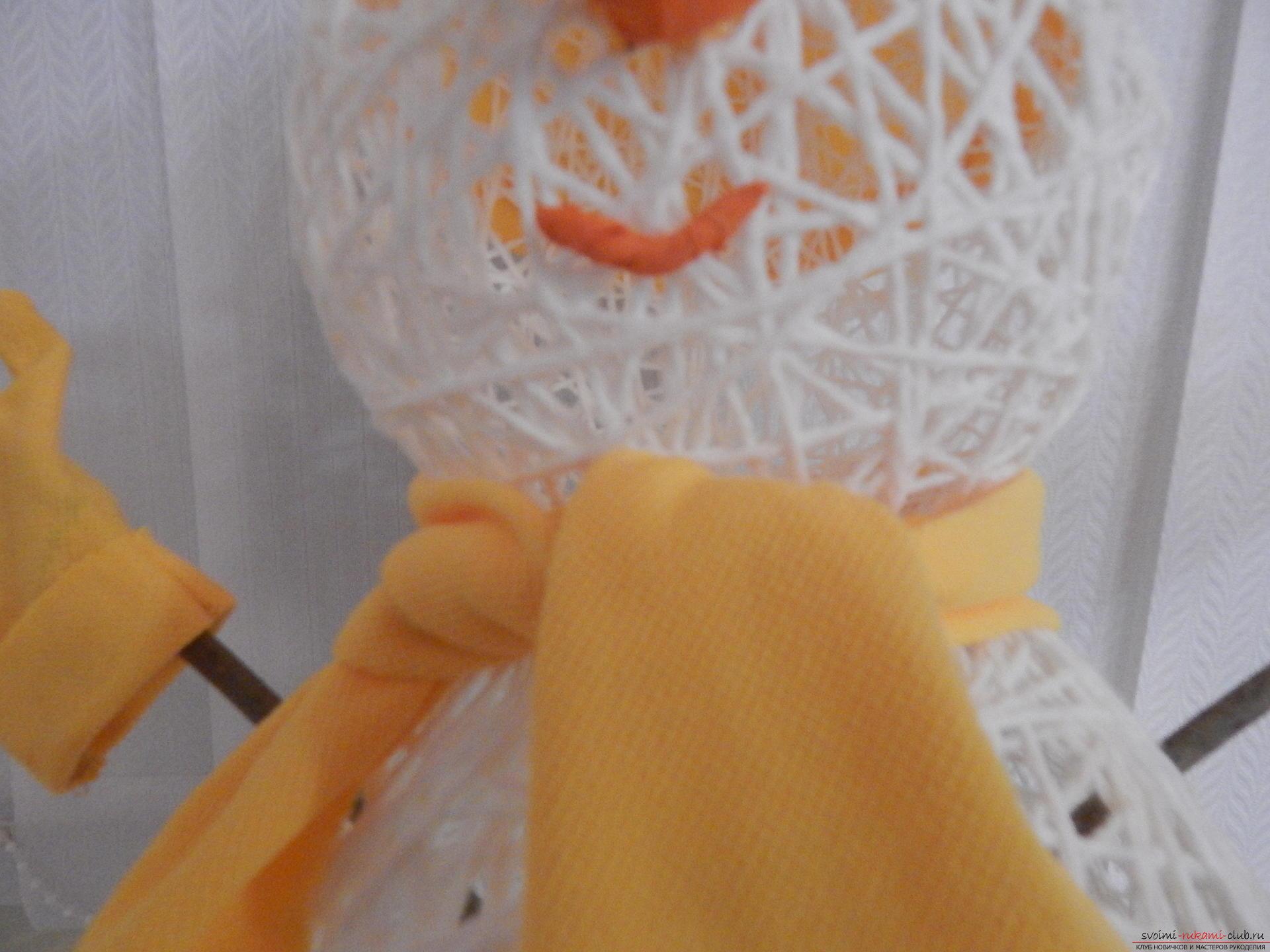 Новорічні вироби дуже різноманітні, створити сніговика своїми руками можна навіть з ниток, якщо за вікном мало снігу .. Фото №7